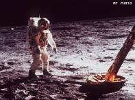 Apollo 11 astronauts look beyond moon, toward Mars