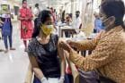 West Bengal Covid Vaccination : ছুঁয়ে ফেলল ৫ কোটির মাইলফলক, কোভিড ভ্যাকসিন প্রদানে কোথায় দাঁড়িয়ে বাংলা?