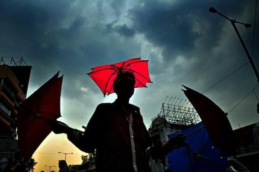 কলকাতা সহ সারা রাজ্যে ঝড়-বৃষ্টির সম্ভাবনা