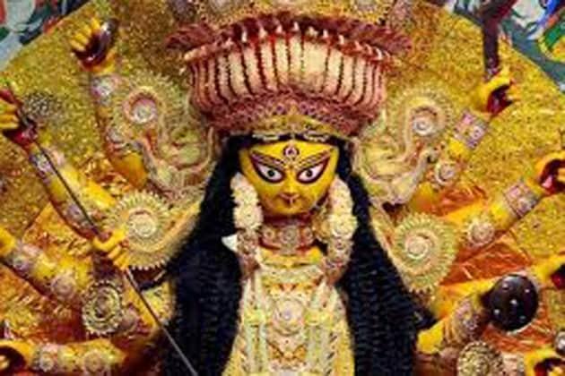 উৎসবের মধ্যেও যেন বিষাদের সুর কালিম্পঙে