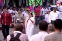 Video: রেড রোডের দুর্গাপুজো কার্নিভালে উপস্থিত মুখ্যমন্ত্রী মমতা বন্দ্যোপাধ্যায়