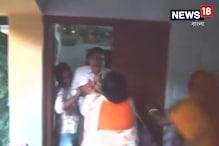 Video: স্কুলেরই শিক্ষিকাকে ধর্ষণে অভিযুক্ত প্রধানশিক্ষককে মার স্থানীয়দের
