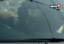 Video: রণক্ষেত্র চিংড়িহাটা, যানজটে আটকে অভিনেতা সঞ্জয় দত্ত