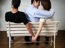 যে ৮ কারণ বিবাহ বহির্ভূত সম্পর্কে জড়িয়ে পড়েন অনেকে