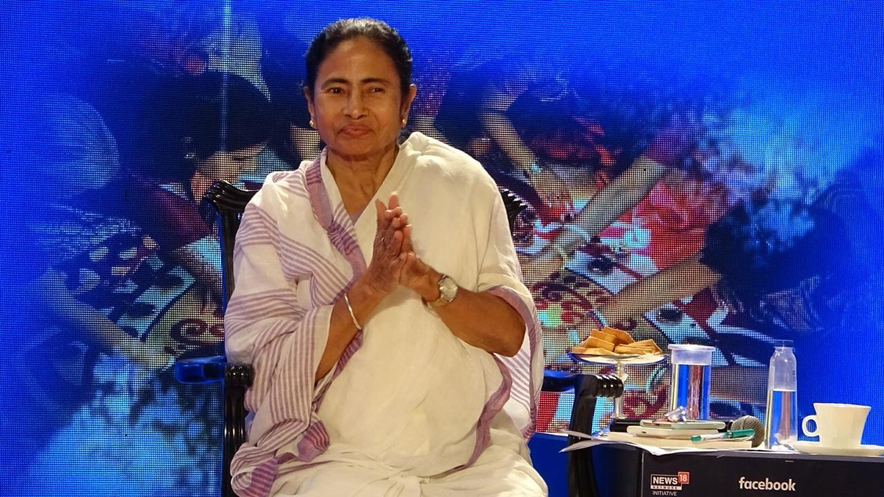 সবার প্রশ্নের মুখোমুখি মুখ্যমন্ত্রী মমতা বন্দ্যোপাধ্যায় ৷ (Photo News18 Bengali)