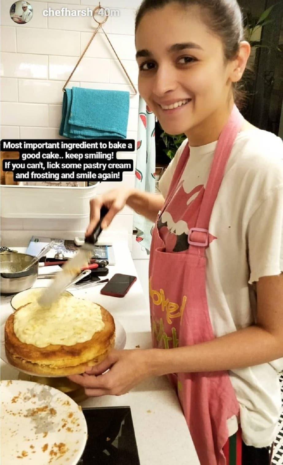 একেই বলে ভালবাসার আগুন ৷ Image Courtesy: Screengrab from chef Harsh Dixit's Instagram stories