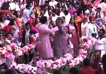 #AkashShlokaWedding: শ্লোকার সঙ্গে বিয়ে শুধু সময়ের অপেক্ষা, বাবা মুকেশ আম্বানির সঙ্গে জমিয়ে নাচলেন আকাশ