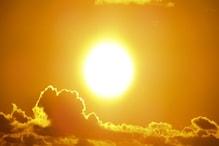 Red Alert: আগামী ৩ দিনে পড়বে রেকর্ড গরম ! প্রবল তাপপ্রবাহে নাজেহাল অবস্থা ! তাপমাত্রা ছাড়াবে ৪৪ ডিগ্রি