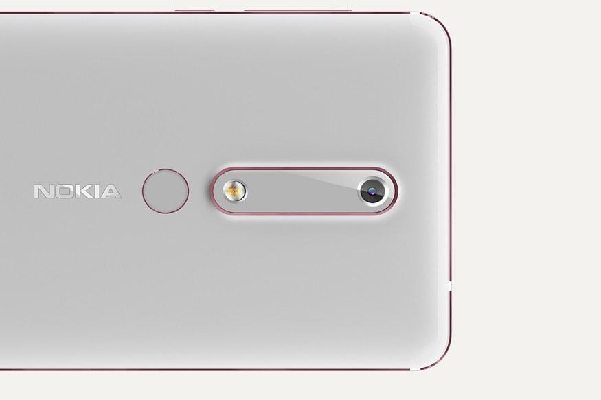 ছবি তোলার জন্য Nokia 6.1 ফোনে রয়েছে 16 মেগাপিক্সেল রিয়ার সেন্সর। সাথে থাকছে 8 মেগাপিক্সেল সেলফি ক্যামেরা।