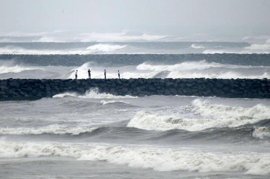 ঘূর্ণাবর্ত-নিম্নচাপ জেরে প্রবল বৃষ্টি হবে গোটা পশ্চিমবঙ্গে।photo source collected