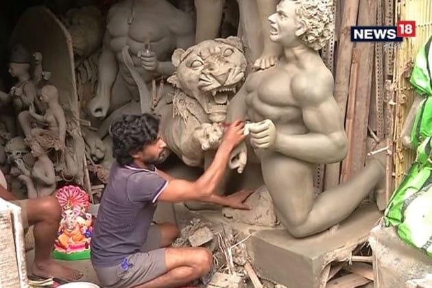 দুর্গাপুজোয় প্রতিমা বানিয়ে কেন আয়কর? প্রশ্ন কুমারটুলির শিল্পীদের