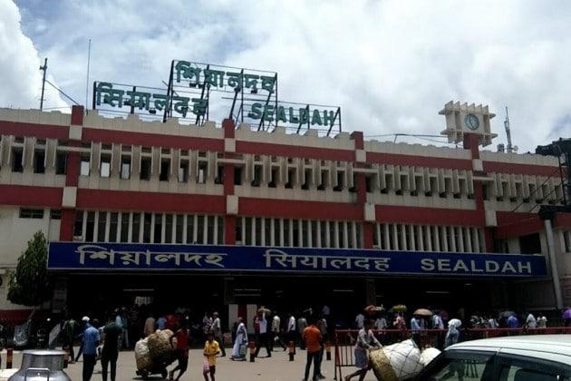 শিয়ালদহ স্টেশনের নাম বদলে শ্যামাপ্রসাদের নামে রাখার দাবি, সই সংগ্রহে হিন্দু সংহতি