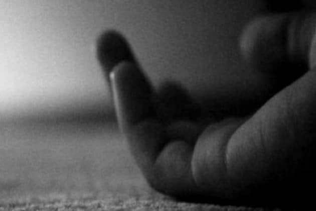 বাগুইআটিতে গলায় নাইলনের দড়ি পেঁচিয়ে বাবাকে খুন করল ছেলে