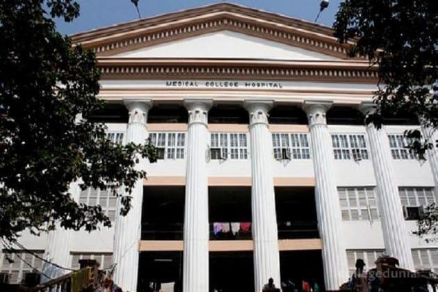 কলকাতা মেডিক্যাল কলেজে সাতসকালে লিংক বিভ্রাট, আউটডোর টিকিট না পেয়ে ভোগান্তি