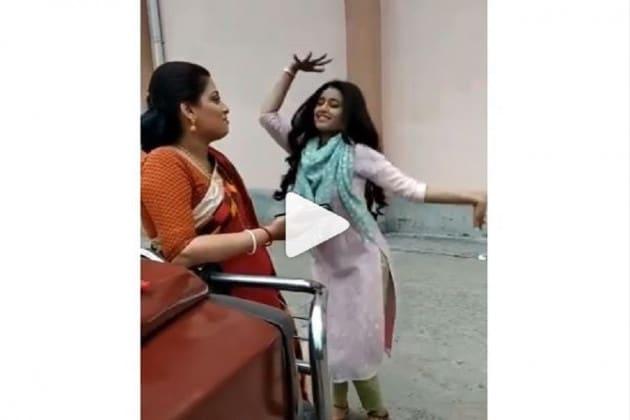 বাংলা সিরিয়ালের জনপ্রিয় অভিনেত্রীর মাঝ রাস্তায় তুমুল নাচ ! দেখুন ভিডিও