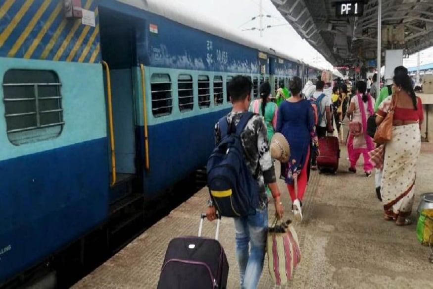CAA-NRC বিরোধী আন্দোলনে স্তব্ধ রেল পরিষেবা ফের স্বাভাবিকের পথে। ৫ দিন পর উত্তরবঙ্গের সঙ্গে চালু হচ্ছে রেল যোগাযোগ। আজ থেকেই চলাচল শুরু একাধিক দূরপাল্লার।