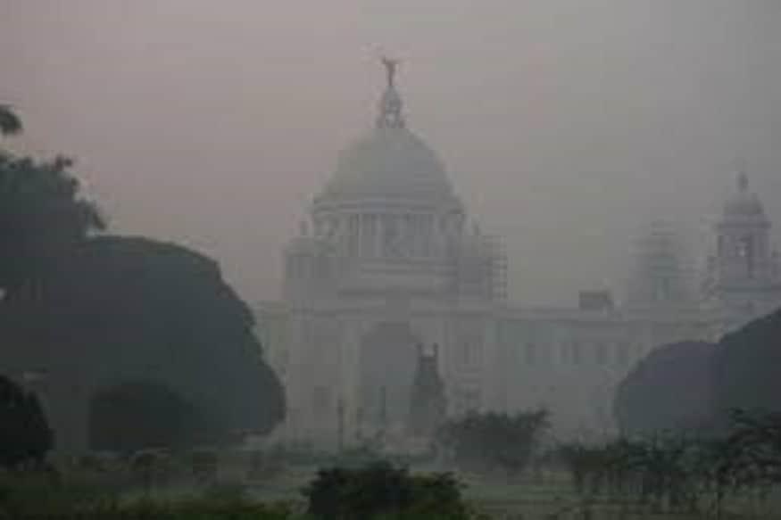 কলকাতা-সহ রাজ্যজুড়ে জাঁকিয়ে শীতের পরিস্থিতি।কলকাতায় আজ পরিষ্কার আকাশ থাকার সম্ভাবনা । রাতের তাপমাত্রা স্বাভাবিকের থেকে ৩° কম থাকবে ।