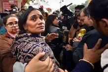 দিল্লি নির্বাচনে অরবিন্দ কেজরিওয়ালের বিরুদ্ধে দাঁডা়তে পারেন নির্ভয়ার মা