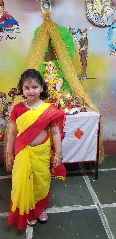মেয়ের ছবি ইনস্টাগ্রামে শেয়ার করে শামি লেখেন, 'দারুন লাগছে বেটা। তোমাকে অনেক ভালোবাসি, ঈশ্বর তোমার মঙ্গল করুন। খুব তাড়াতাড়ি দেখা হবে।' Photo Courtesy: Hasin Jahan/Facebook