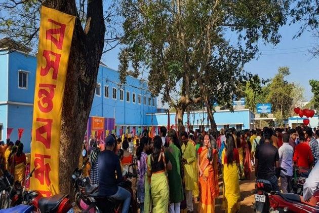 জমজমাট সিউড়ির বসন্ত উৎসব, রঙের উৎসবে মেতেছে বাংলা