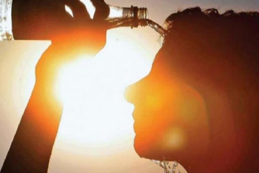 আগামী কয়েক দিন পরিষ্কার আকাশ। তাপমাত্রা সামান্য বাড়ার ইঙ্গিত। ইতিমধ্যেই স্বাভাবিকের ওপরে উঠেছে পারদ। আপাতত ঝড়-বৃষ্টির সম্ভাবনা নেই বলেই জানিয়েছে আলিপুর আবহাওয়া দফতর ৷ Story: Biswajit Saha