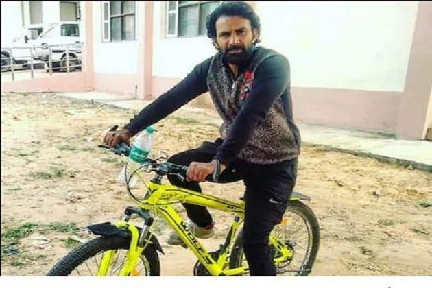 #Lockdown: মা অসুস্থ ১৪০০ কিলোমিটার সাইকেল চালিয়ে ফিরল বাড়ি ফিরল ছেলে