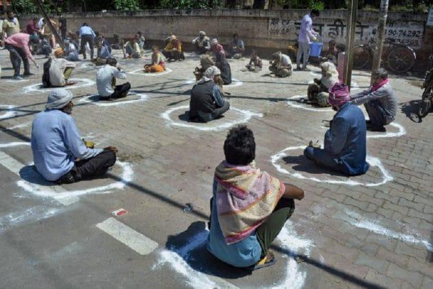 করোনার তাণ্ডব অব্যাহত ভারতে ! গত ২৪ ঘণ্টায় মৃত্যু ৪৭ জনের, নতুন করে আক্রান্ত ১৩৩৬ জন