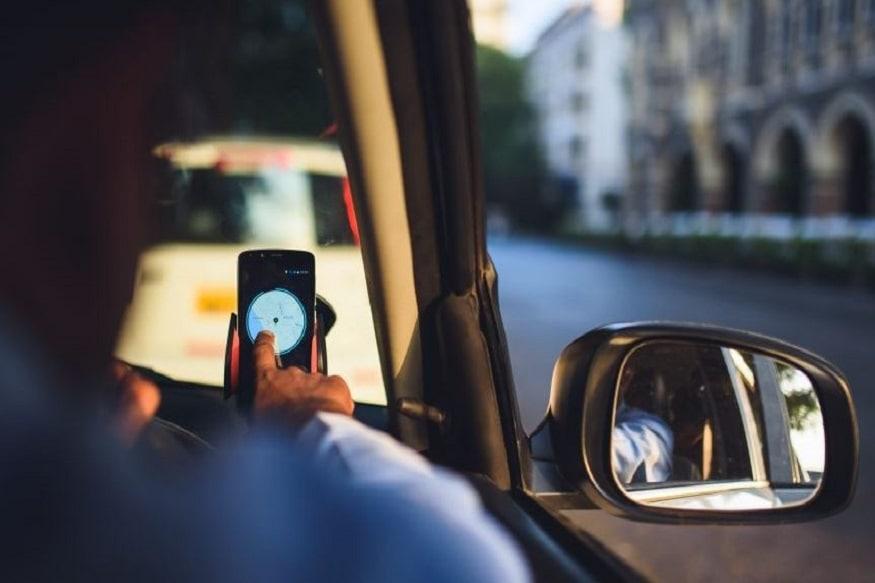 সোমবার থেকে রাস্তায় নামছে আরও অ্যাপ ক্যাব ৷ আরও এক হাজারেরও বেশি ওলা উবের চালানোর অনুমতি দিচ্ছে রাজ্য ৷ এদিন সাংবাদিক বৈঠকে ঘোষণা করলেন পরিবহনমন্ত্রী শুভেন্দু অধিকারী ৷ Photo Courtesy: Uber India