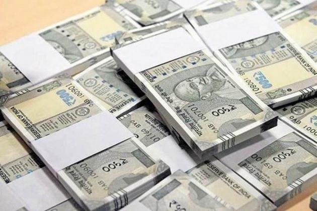 কর্মীদের বেতন দেওয়ার টাকা নেই! কেন্দ্রের কাছে ৫ হাজার কোটি দাবি দিল্লি সরকারের