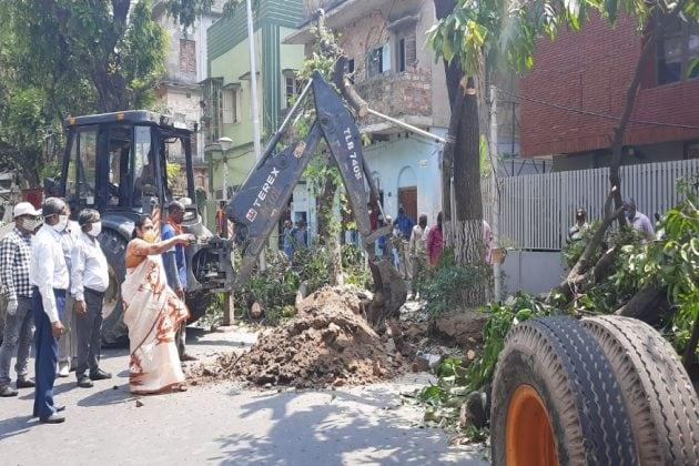 কলকাতায় 'লাশে'র পাহাড়, 'মৃত'কে 'জীবিত' করতে চিকিৎসকের ভূমিকায় পুরসভা