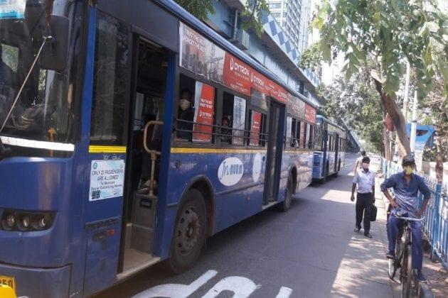 আজ থেকে কলকাতায় প্রতি শিফটে চলবে ৬০০ সরকারি বাস