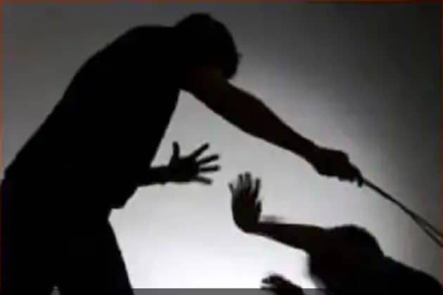 পাখি ওড়ানোর অপরাধে, ৮ বছরের পরিচারিকাকে পিটিয়ে খুন করে মালিক !