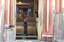 দীর্ঘ আড়াই মাস পর ভবতারিণী দর্শন, দক্ষিণেশ্বরে স্বল্প ভিড়েই ভক্তরা সারলেন পুজো