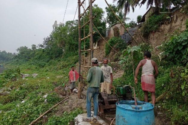 মালদহে টাঙন নদীতে ভাঙ্গন রোধের কাজ শুরু, তৎপর প্রশাসন
