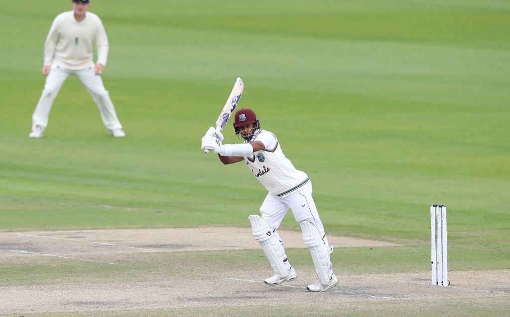 দ্বিতীয় ইনিংসে ব্রড ৪টি উইকেট নেওয়ার পাশাপাশি ৫০ রান দিয়ে ৫ উইকেট নেন ক্রিস ওকস ৷ Photo Courtesy: ICC/Twitter