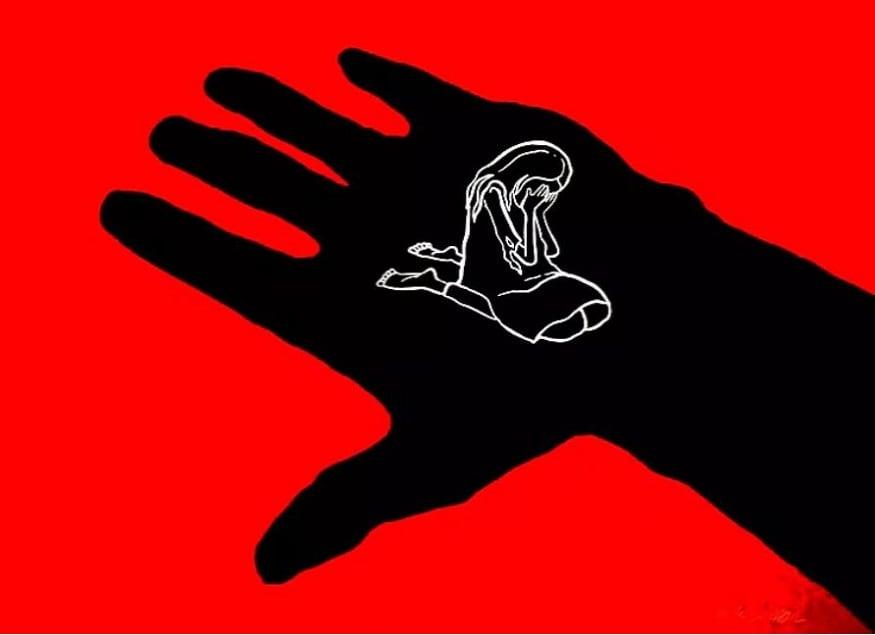 এক ৬৫ বছরের ব্যক্তি নিজের নাতনিকে ধর্ষণ করল। ঘটনাটি চিত্তোরের সোমালা জোনে ঘটেছে। photo source collected