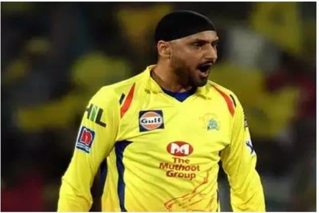 IPL 2020: ফের সমস্যায় সিএসকে ? সুরেশ রায়নার পর আইপিএল থেকে সরে দাঁড়াতে পারেন হরভজন সিং!