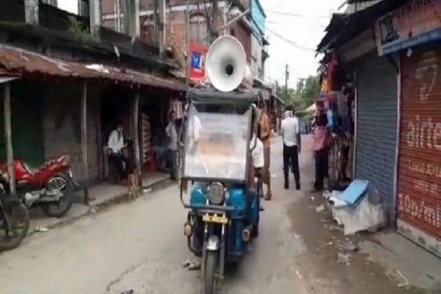 মাইকের প্রচারই সার, বিধি ভেঙেই শিলিগুড়ির বাজারে চলছে কেনাকাটা