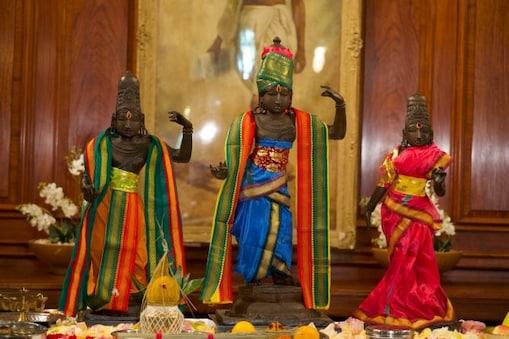 চুরি যাওয়া পঞ্চদশ শতকের বহু মূল্যবান রাম-সীতা-লক্ষ্মণের মূর্তি ভারতকে ফিরিয়ে দিল ব্রিটেন