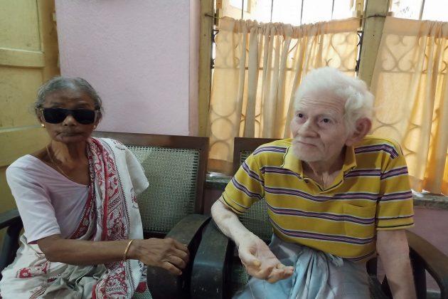 বাড়ির দরজায় মদ্যপের তাণ্ডব, প্রতিবাদ করে হেনস্থার শিকার ৮৬ বছরের বৃদ্ধ