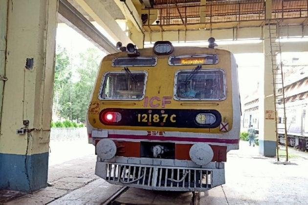 মুম্বইয়ের ধাঁচেই এবার নয়া রেক চলবে শিয়ালদহ ডিভিশনে