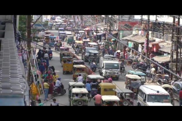 পুজোর আগেই শুরু দাপট, প্রতিদিনই সেঞ্চুরি হাঁকাচ্ছে করোনা, তবু উধাও সতর্কতা