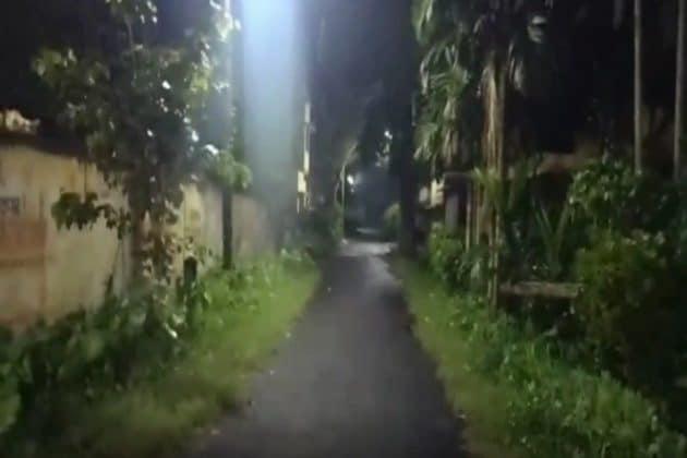 সন্ধেয় নাট্য কর্মীর শ্লীলতাহানি, অভিযুক্তকে জাপটে ধরে থানায় নিয়ে গেলেন বীরাঙ্গনা