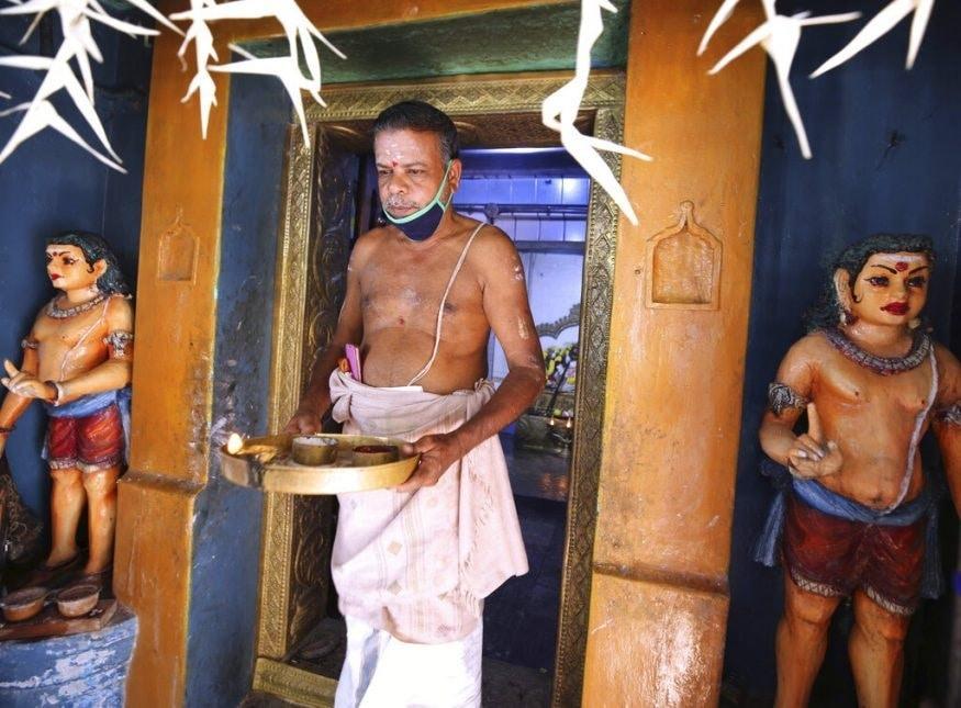 গ্রামের মন্দিরে কমলার মঙ্গলকামনায় পুজোও হয়েছে।