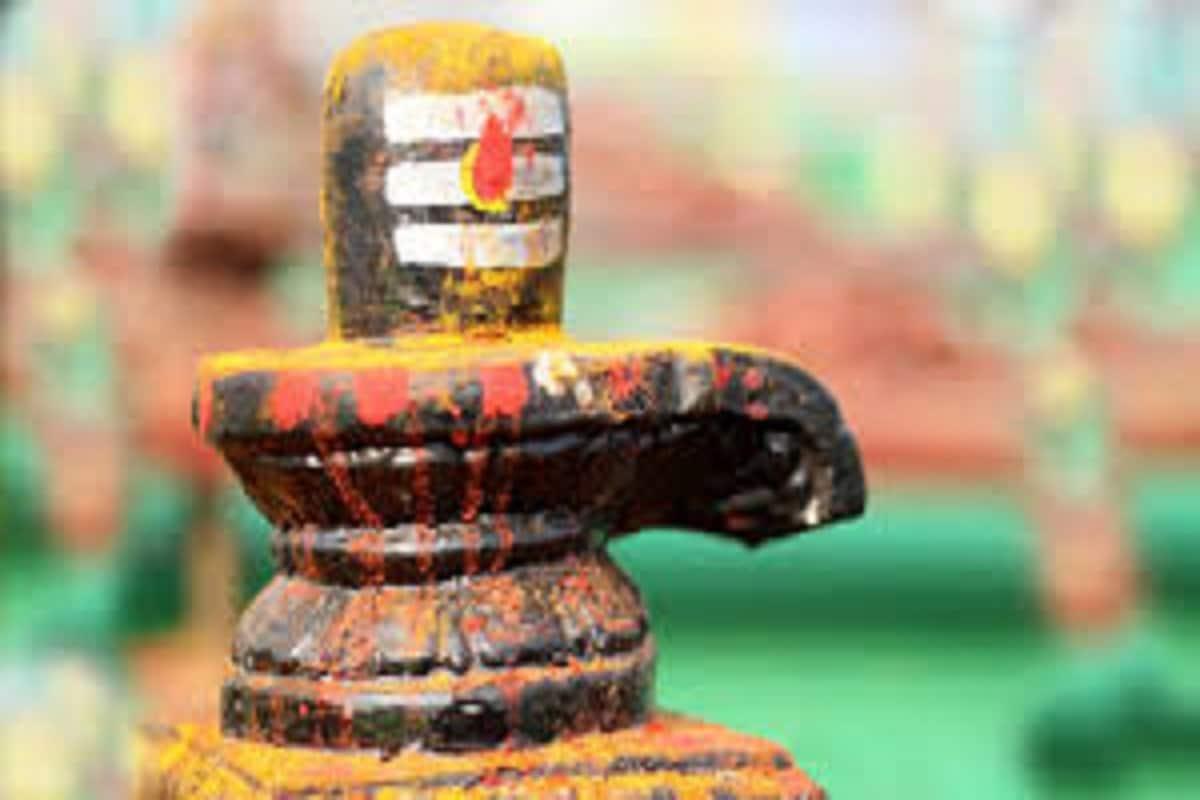 আগামিকাল মহাসোমবার ভগবান শিবের বার ৷ তিনিই শিব, তিনিই শম্ভু, সত্য, শিব, সুন্দরকে নিয়ে জীবন আরও সুন্দর হয়ে ওঠে ৷