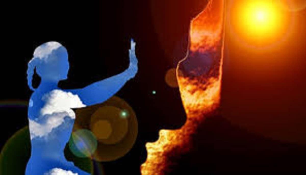 নুন দিয়ে ঘর মুছুন। গ্লাসে একটু জল নিয়ে সেটা বাথরুমে রেখে দিন। স্নানের সময় জলে নুন দিয়ে স্নান করুন। এবং রোজ সূর্য প্রণাম করুন ও জল ঢালুন। এই কয়টি জিনিস মানলেই দিন ১৫র মধ্যেই আপনি তফাত বুঝতে পারবেন। নিয়মিত করলে সব বাধা কেটে সুস্থ জীবন কাটাতে পারবেন। photo source collected