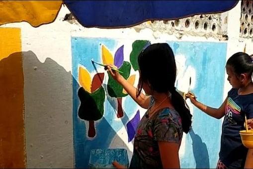 জেলাতেও নারী দিবসের সেলিব্রেশন, ইসলামপুরে দেওয়ালে ছবি আঁকা প্রতিযোগিতা