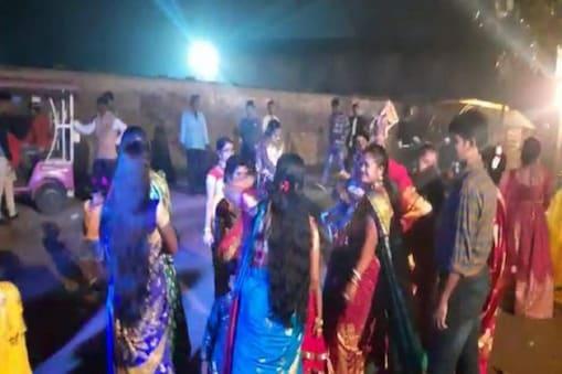 বিজেপির 'জয় শ্রীরাম' গান বাজিয়ে বিয়ে বাড়িতে দারুণ নাচ!