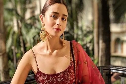 Viral: প্রিয় বন্ধুর বিয়েতে আলিয়া হলেন 'জলেবি বাঈ', দেখুন