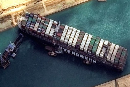 Suez Canal Blocked: সমুদ্রে ট্রাফিক জ্যাম! এই দরকারি জিনিসটির অভাবে ভুগতে পারে বিশ্ব